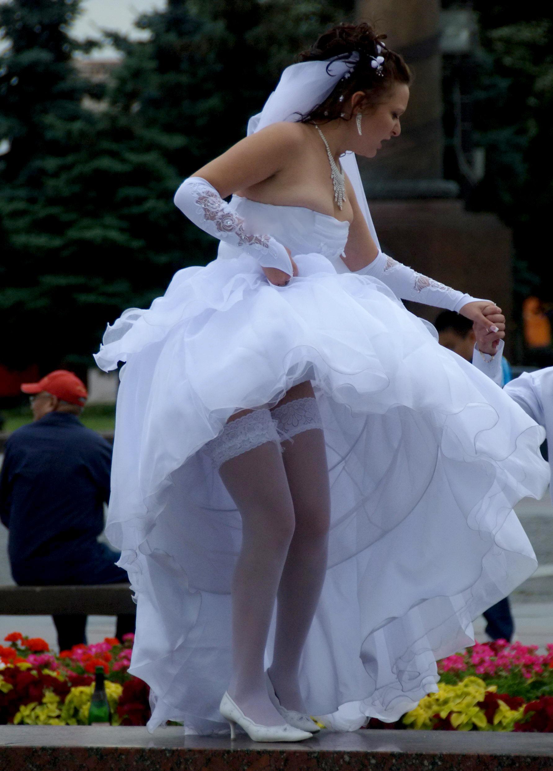 Под платьем невесты смотреть — photo 2